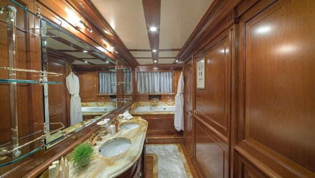 aquila motor yacht bathroom (1) min -  Valef Yachts Chartering - 0996