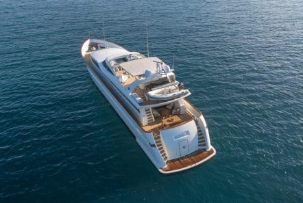 motor yacht aquila