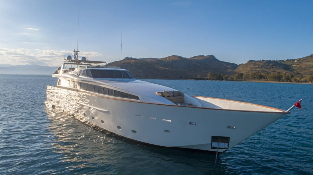 Motor yacht Aquila for charter