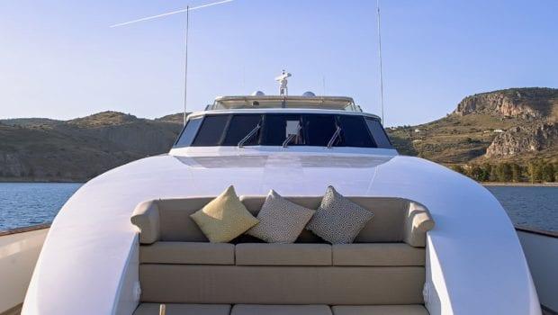 aquila motor yacht fore min -  Valef Yachts Chartering - 1011