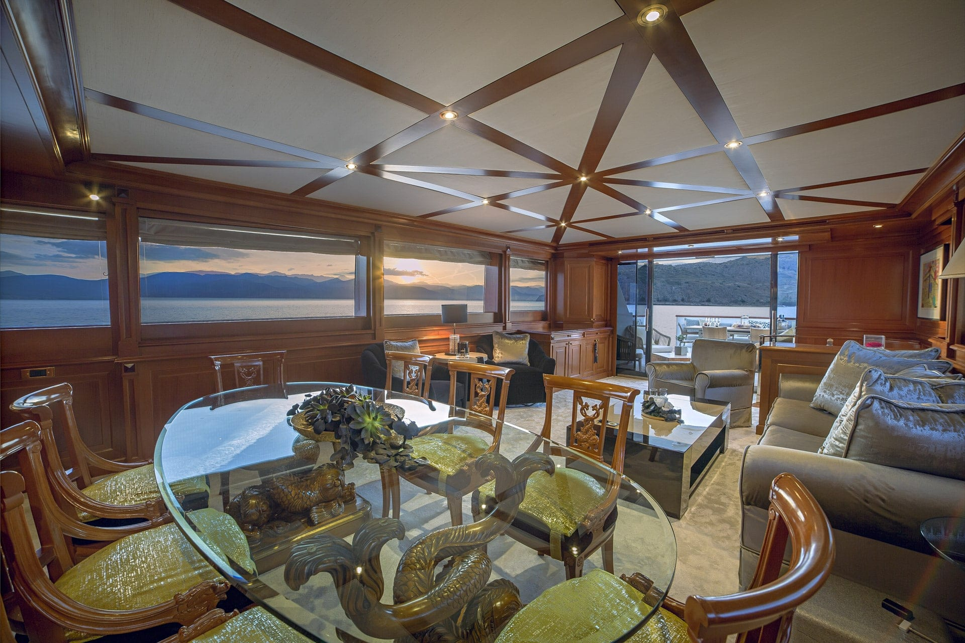 aquila motor yacht salon (2) min -  Valef Yachts Chartering - 1006