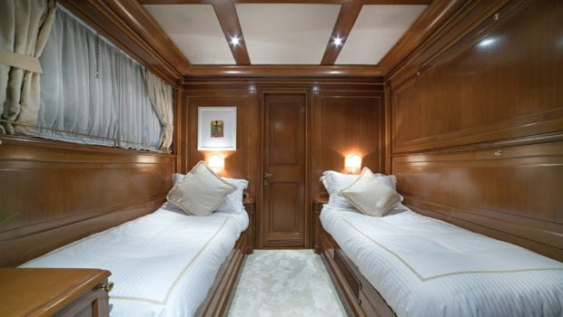 aquila motor yacht twin cabins (1) min -  Valef Yachts Chartering - 1001