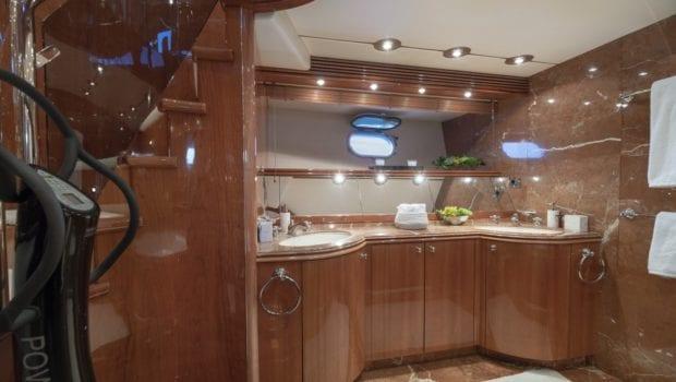 mi alma master bath views (1) min -  Valef Yachts Chartering - 0939
