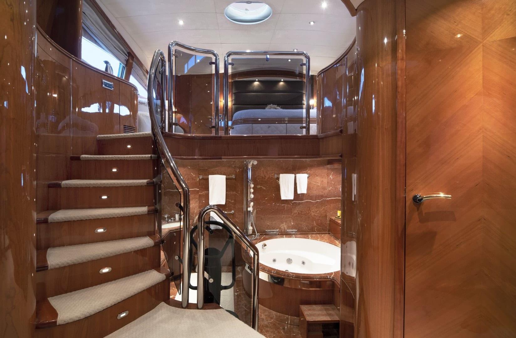 mi alma master bath views (2) min -  Valef Yachts Chartering - 0938