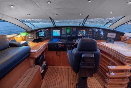 mi alma motor yacht bridge -  Valef Yachts Chartering - 0966
