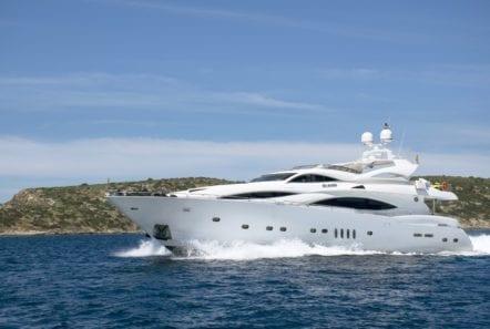mi alma motor yacht profile (11) min -  Valef Yachts Chartering - 0926