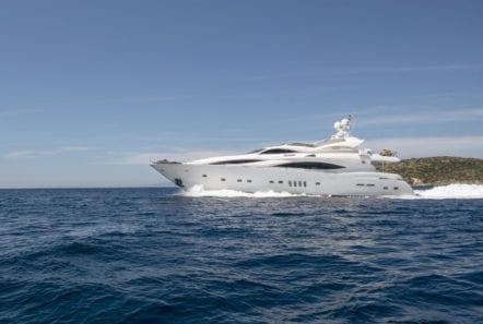 mi alma motor yacht profile (3) min -  Valef Yachts Chartering - 0934