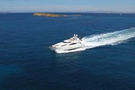 mi alma motor yacht profile (4) min -  Valef Yachts Chartering - 0933