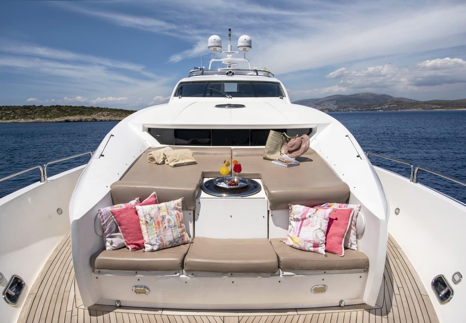 mi alma yacht fore (4) min -  Valef Yachts Chartering - 0942