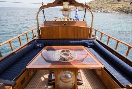 prince motor sailer aft table -  Valef Yachts Chartering - 0882