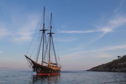 prince motor sailer bow (1) -  Valef Yachts Chartering - 0921