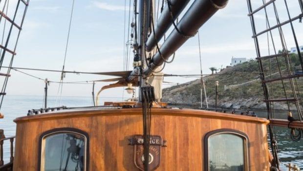 prince motor sailer mast -  Valef Yachts Chartering - 0897
