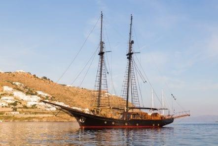 prince motor sailer profile (5) -  Valef Yachts Chartering - 0892