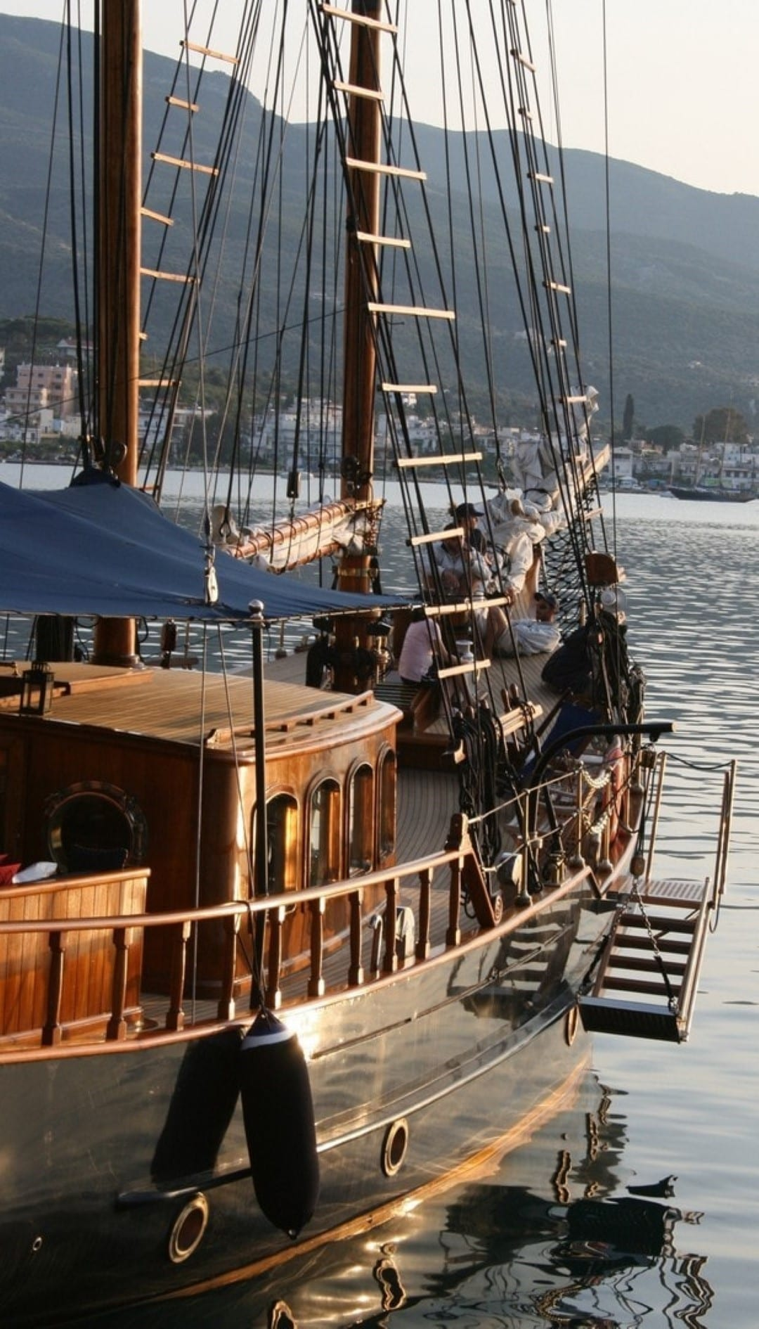 prince motor sailer swim ladder -  Valef Yachts Chartering - 0889