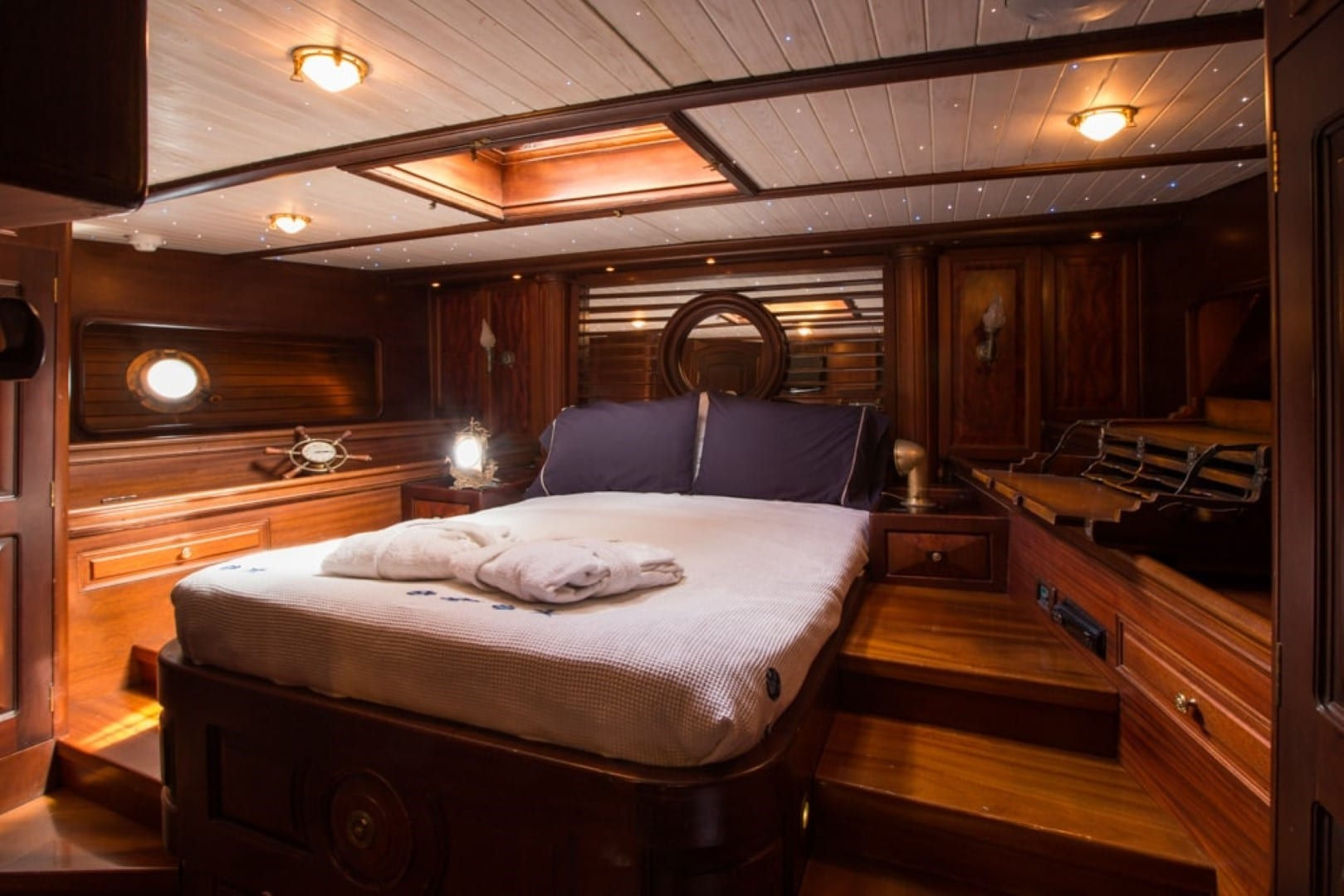 prince motor sailer vip cabin -  Valef Yachts Chartering - 0887