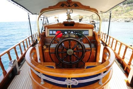 prince motor sailer wheel -  Valef Yachts Chartering - 0886