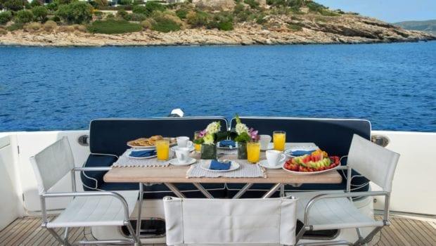 fast break motor yacht aft table (3) min -  Valef Yachts Chartering - 0872