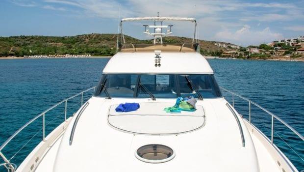 fast break motor yacht fore min -  Valef Yachts Chartering - 0867