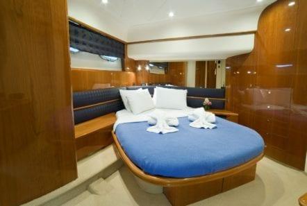 fast break motor yacht master cabin min -  Valef Yachts Chartering - 0864
