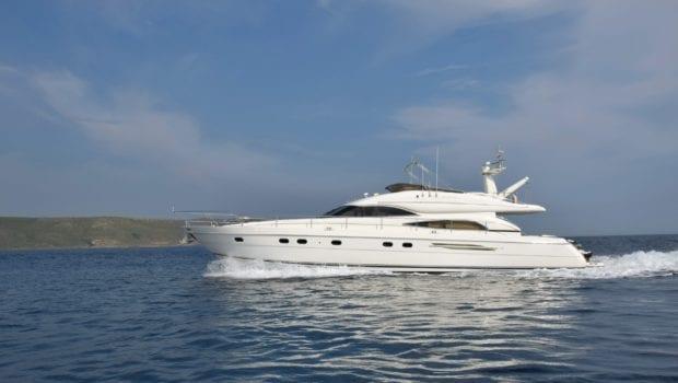 fast break motor yacht profile (8) min -  Valef Yachts Chartering - 0859