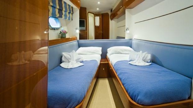 fast break motor yacht twin cabins min -  Valef Yachts Chartering - 0852