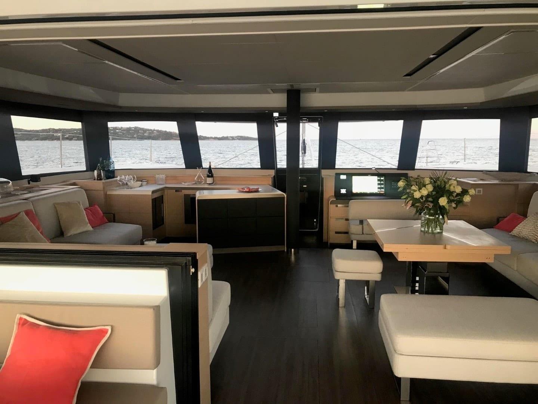 number one catamaran salon min -  Valef Yachts Chartering - 0818