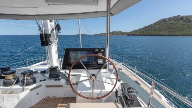 number one catamaran wheel min -  Valef Yachts Chartering - 0808