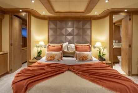 anamel motor yacht master cabin min -  Valef Yachts Chartering - 0769