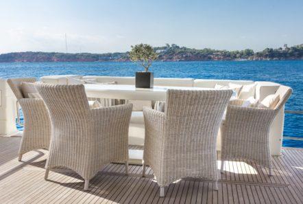 amoraki motor yacht aft table -  Valef Yachts Chartering - 0716