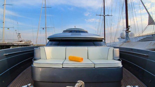 elvi motor yacht fore min -  Valef Yachts Chartering - 0638