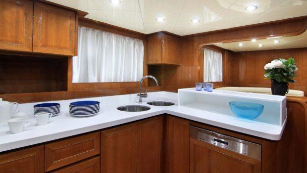 elvi motor yacht open bar min -  Valef Yachts Chartering - 0634