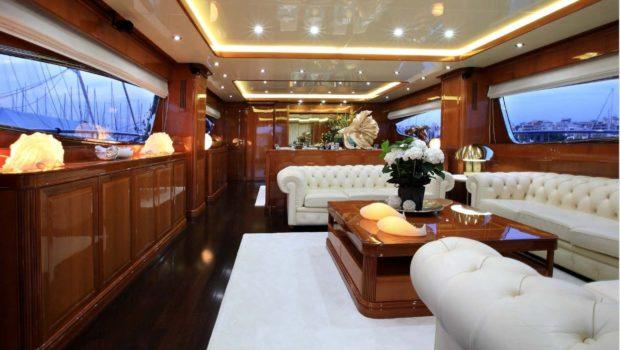 elvi motor yacht salon (1) min -  Valef Yachts Chartering - 0632