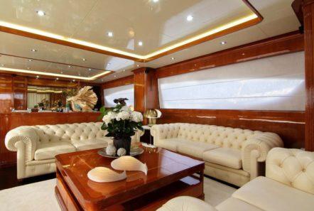 elvi motor yacht salon (2) min -  Valef Yachts Chartering - 0631