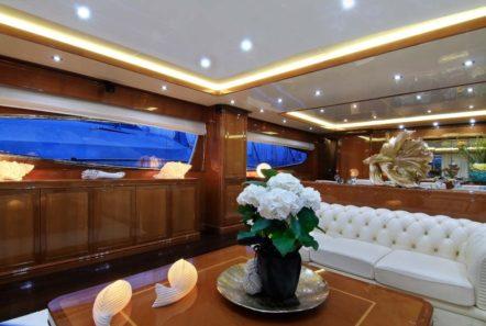 elvi motor yacht salon (3) min -  Valef Yachts Chartering - 0630