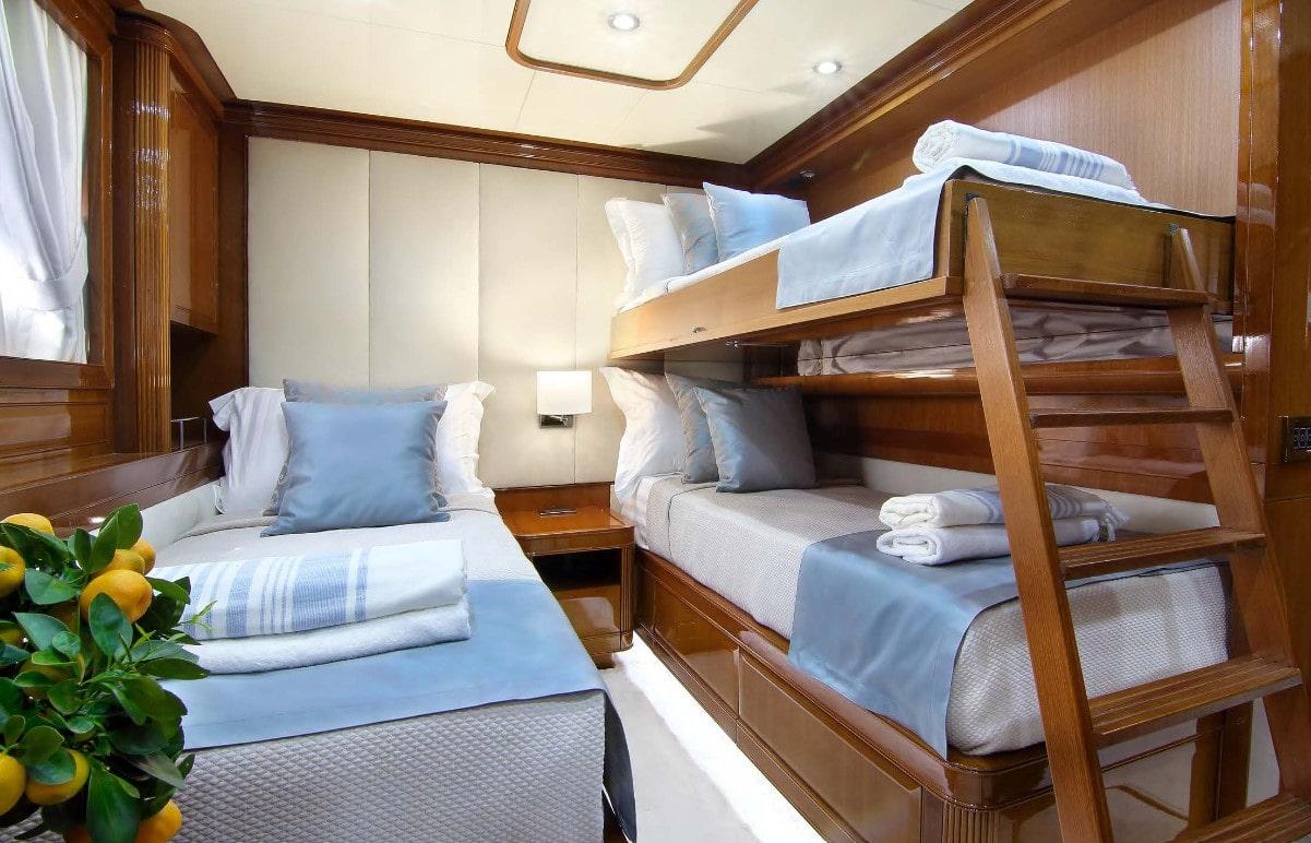elvi motor yacht twins (1) min -  Valef Yachts Chartering - 0622