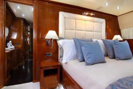 elvi motor yacht vip cabin (1) min -  Valef Yachts Chartering - 0619