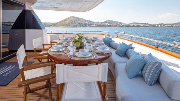 grace motor yacht aft (2) min -  Valef Yachts Chartering - 0694