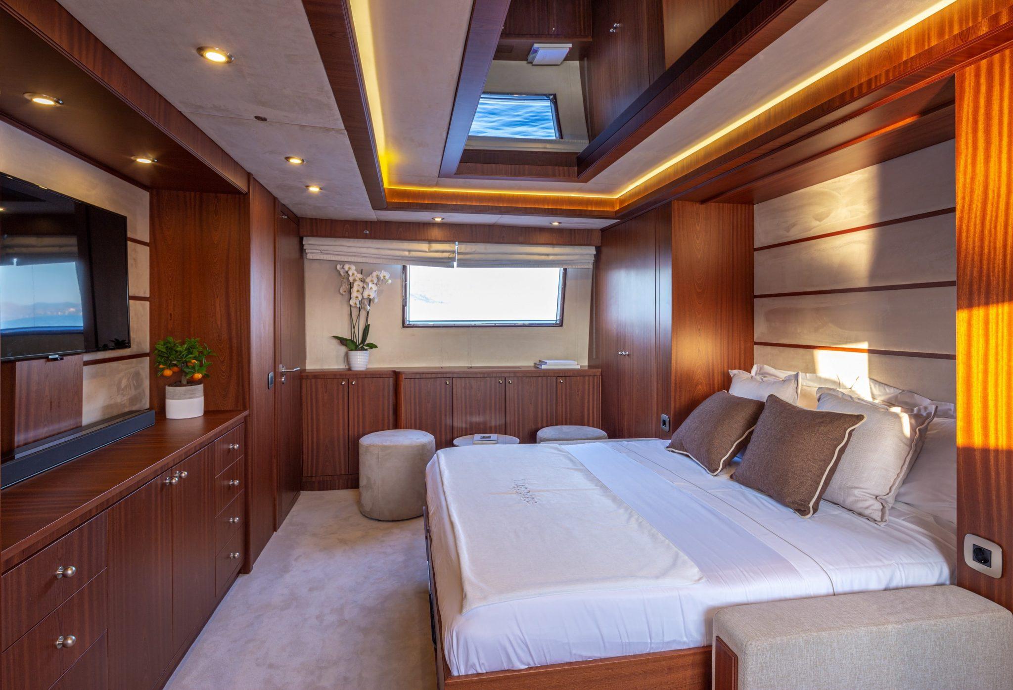 grace motor yacht convertible cabin min -  Valef Yachts Chartering - 0691
