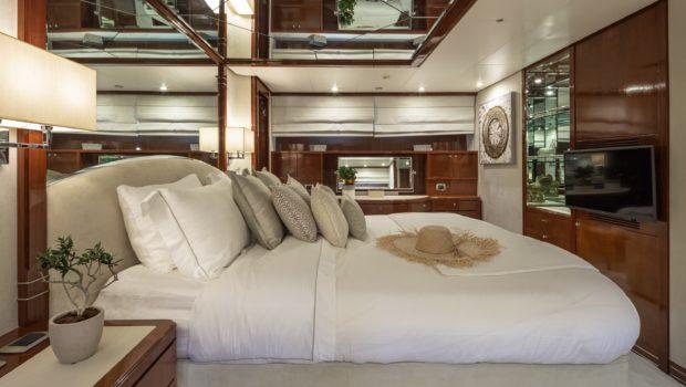 grace motor yacht master (3) min -  Valef Yachts Chartering - 0683