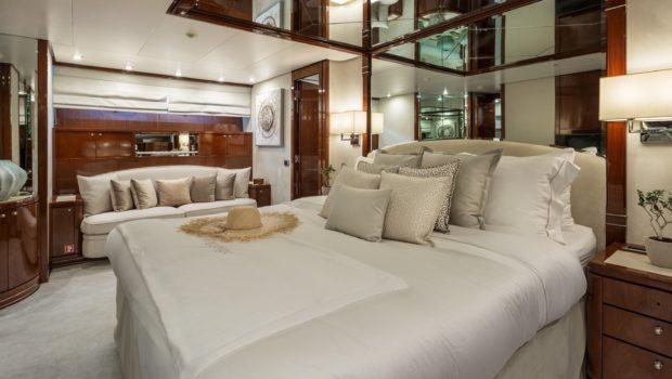 grace motor yacht master (4) min -  Valef Yachts Chartering - 0682