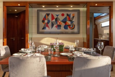 grace motor yacht salon (1) min -  Valef Yachts Chartering - 0677