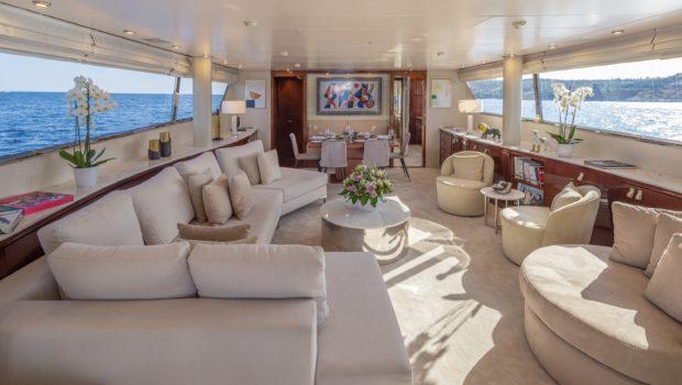 grace motor yacht salon (4) min -  Valef Yachts Chartering - 0674