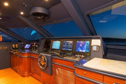 plan b motor yacht bridge min -  Valef Yachts Chartering - 0701