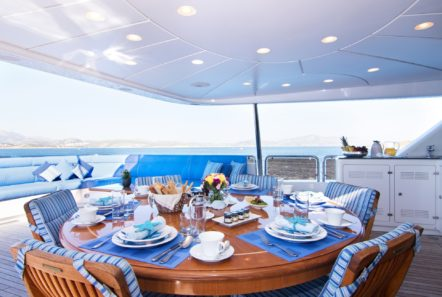 plan b motor yacht dining al freso aft (1) min -  Valef Yachts Chartering - 0700
