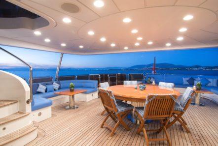 plan b motor yacht dining al freso aft (2) min -  Valef Yachts Chartering - 0699