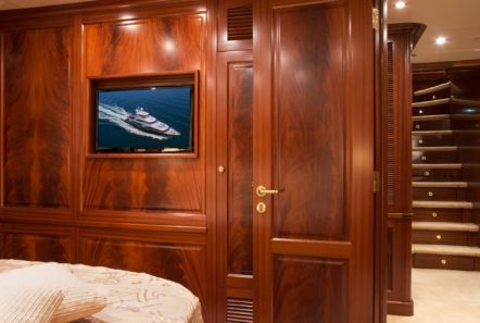 plan b motor yacht double view min -  Valef Yachts Chartering - 0715