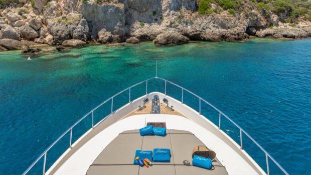 Legend bow min -  Valef Yachts Chartering - 0458
