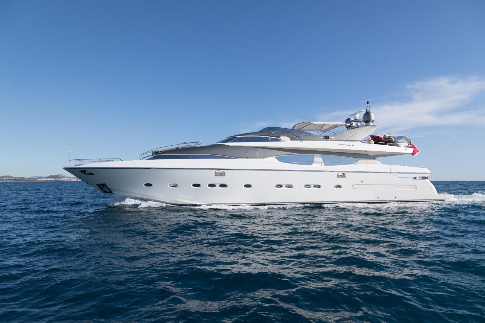albator 2 cruising profile (5) min - Valef Yachts Chartering - 0600