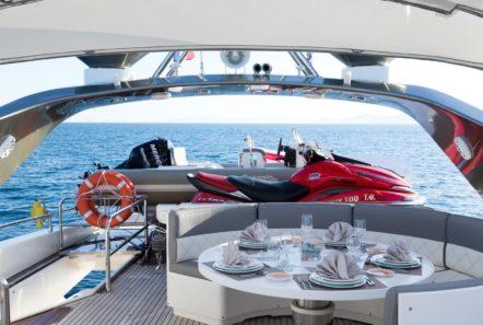 albator 2 table sundeck jetski (4) min -  Valef Yachts Chartering - 0598