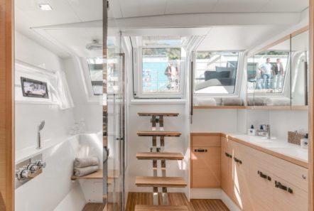 galux one catamaran bath min -  Valef Yachts Chartering - 0473